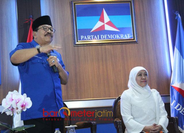 KHOFIFAH LAYAK GUBERNUR JATIM: Pakde Karwo dan  Khofifah dalam silaturahim di kantor DPD Partai Demokrat Jatim, Jalan Kertajaya Surabaya, Selasa (30/1).