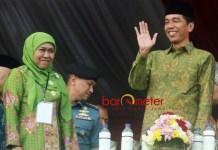 JOKOWI BERSAMA KHOFIFAH: Presiden Jokowi dan Khofifah Indar Parawansa saat acara di Malang. Membuka kemenangan telak Jokowi di Jatim. | Foto: Barometerjatim.com/DOK