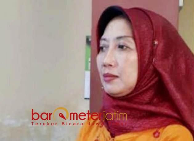 TAK MASALAH: Hartiwi Sistri Utami, tak masalah pekerjaan proyek sebelum anggaran turun.   Foto: Barometerjatim.com/HAMIM ANWAR