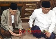NU HARUS BERSATU: KH Ma'ruf Amin (kiri) bersama Kiai Asep Saifuddin Chalim di Ponpes Amanatul Ummah Mojokerto, Rabu (29/9). | Foto: Barometerjatim.com/MARIJAN AP