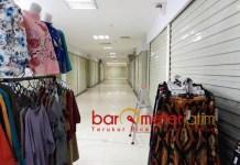 BERTAHUN-TAHUN SEPI: Stan di Pasar Turi Baru Baru, bertahun-tahun sepi pengunjung dan pembeli akibat konflik berkepanjangan. | Foto: Barometerjatim.com/ROY HASIBUAN