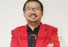 KRITIK KPU-BAWASLU: Bambang DH, larangan Caleg kampanye lewat media sosial justru mempersempit ruang gerak dalam bersosialisasi. | Foto: Barometerjatim.com/ABDILLAH HR