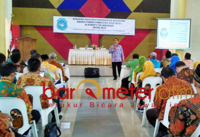 Pemkab Lamongan gembleng kepala BPD jelang Pilkades serentak. | Foto: Barometerjatim.com/hamim anwar