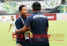 Djajang Nurdjaman, ukir prestasi pelatih jempolan di Piala Presiden.   Foto: Barometerjatim.com/dani iqbaal