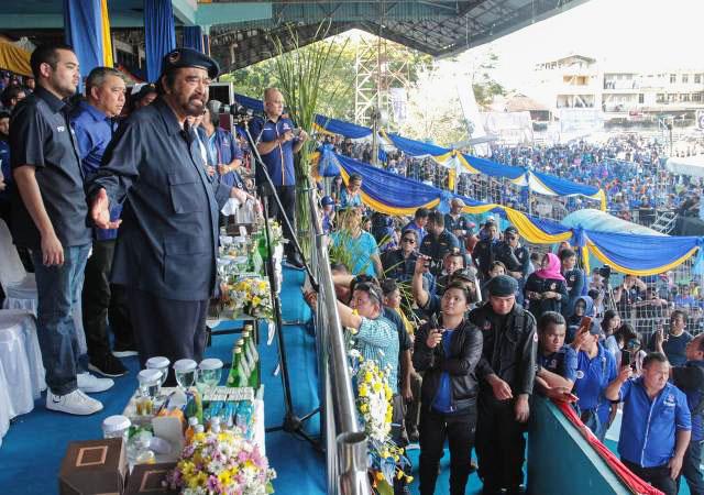 Surya Paloh, kampanye terbuka Partai Nasdem di Stadion Klabat, Manado, Rabu (27/3/2019). | Foto: Ist