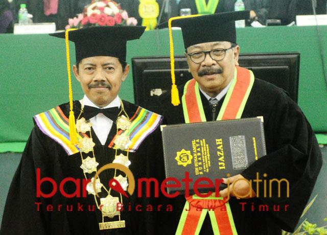 Soekarwo dan Prof Masdar Hilmy, pemikiran orisinal dan otentik untuk Jatim.   Foto: Barometerjatim.com/roy hs