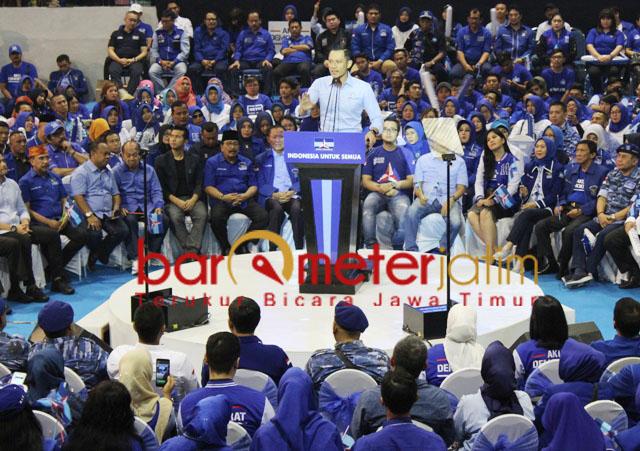 AHY, pidato politik Partai Demokrat di DBL Arena, Surabaya, Sabtu (13/4/2019). | Foto: Barometerjatim.com/roy hs