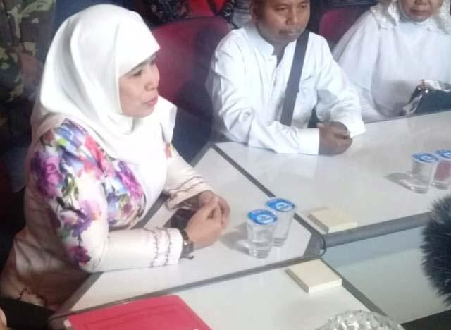 BEREBUT REKOM PDIP: Dwi Astuti mengembalikan formulir bakal calon wakil wali kota Surabaya lewat penjaringan PDIP. | Foto: IST