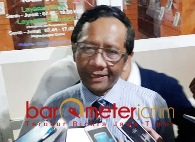 CARA CARA LAIN: Mahfud MD, penolak revisi UU KPK bisa cari cara lain untuk perbaiki memberantas korupsi.   Foto: Barometerjatim.com/ROY HS