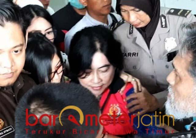 DUGAAN KORUPSI JASMAS: Ratih Retnowati ditahan Kejari Tanjung Perak.   Foto: Barometerjatim.com/ABDILLAH HR