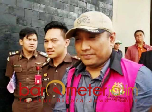 KORUPSI JASMAS: Syaiful Aidy ditahan usai dijemput paksa Kejari Tanjung Perak.   Foto: Barometerjatim.com/ABDILLAH HR