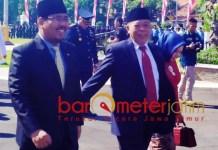 KESAKTIAN PANCASILA: Anwar Sadad (kiri) dan Kusnadi, usai peringatan Hari Kesaktian Pancasila di Grahadi. | Foto: IST