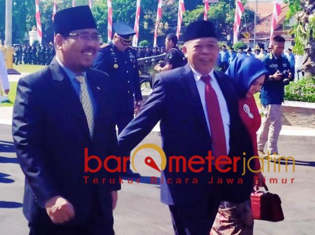 KESAKTIAN PANCASILA: Anwar Sadad (kiri) dan Kusnadi, usai peringatan Hari Kesaktian Pancasila di Grahadi.   Foto: IST
