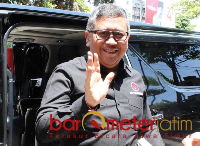 PILWALI SURABAYA 2020: Hasto Kristiyanto, Risma daftarkan jagoannya ke DPP PDIP. | Foto: Barometerjatim.com/ROY HS