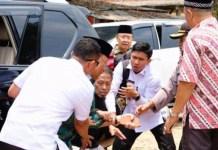 WIRANTO DITUSUK: Detik-detik insiden penusukan Wiranto di Pandeglang, Banten, Kamis (10/10/2019). | Foto: IST