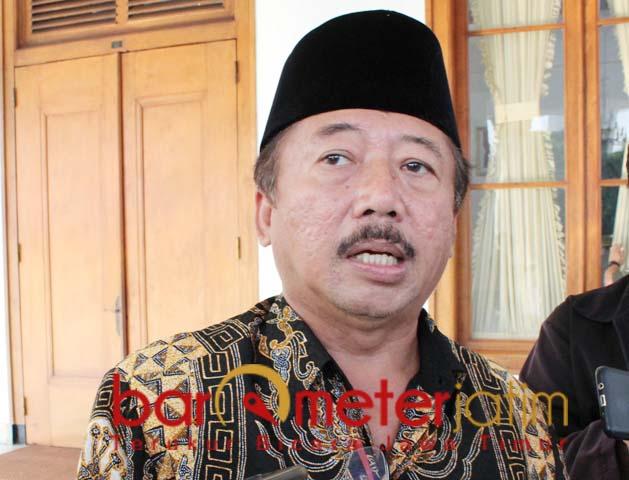 RESES KOMISI III DPR RI: Bambang DH usai bertemu Gubernur Khofifah di Grahadi. | Foto: Barometerjatim.com/ROY HS