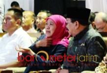 UMBULAN: Khofifah dan Pakde Karwo saat soft launching SPAM Umbulan di Porong. | Foto: Barometerjatim.com/ROY HS