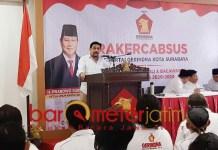PAPARKAN VIVI-MISI: Machfud Arifin di Rakercabsus Partai Gerindra Surabaya. | Foto: Barometerjatim.com/ROY HS