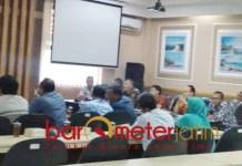 HEARING: Komisi D hearing terkait pencairan BPNT yang dinilai tidak sesaui tujuan. | Foto: Barometerjatim.com/HAMIM ANWAR