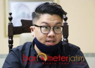 DIGUGAT PKPU: Isaac Nugraha, menuntut keadilan dengan perpanjangan PKPU hingga 60 hari. | Foto: Barometerjatim.com/ROY HS