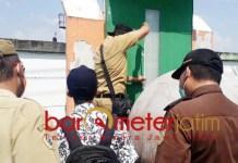 DIDUGA ADA KORUPSI: Kejari Gresik periksa dugaan proyek Kecamatan Duduksampeyan. | Foto: Barometerjatim.com/DANI IQBAAL