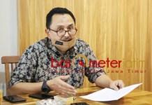BLAK-BLAKAN: Gazali Hasan, beber kondisi perusahaan PT Darmi Bersaudara setelah berstatus PKPU. | Foto: Barometerjatim.com/ROY HS