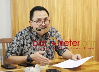 BLAK-BLAKAN: Gazali Hasan, beber kondisi perusahaan PT Darmi Bersaudara setelah berstatus PKPU.   Foto: Barometerjatim.com/ROY HS