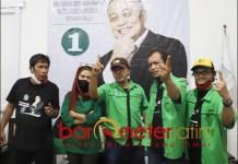 JANGAN KECAP-KECAP: Wawan Kemplo (tengah), Surabaya tak butuh janji manis tapi langsung eksekusi. | Foto: Barometerjatim.com/IST