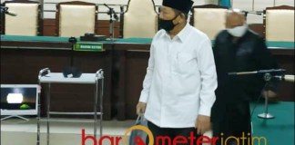 3 TAHUN PENJARA: Bupati nonaktif Sidoarjo, Saiful Ilah usai divonis tiga tahun penjara dalam perkara suap. | Foto: Barometerjatim.com/ROY HS