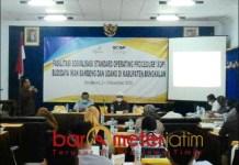 AKSELERASI PEREKONOMIAN: Pelatihan SOP budidaya bandeng dan udang di Hotel PKPRI Bangkalan. | Foto: Barometerjatim.com/IST