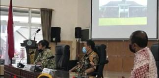 GERAK CEPAT: Komisi C DPRD Jatim saat menelusuri aset Pemprov Jatim di Bakorwil Malang. | Foto: Barometerjatim.com/ROY HS