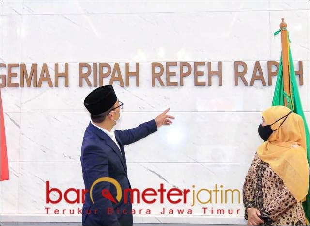 CERITA GEDUNG SATE: Gubernur Ridwan Kamil bersama Gubernur Khofifah di gedung Sate. | Foto: Barometerjatim.com/ABDILLAH HR