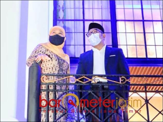 BERAT KALAU NYAPRES: Khofifah dan Ridwan Kamil di Gedung Sate Bandung. Lebih realistis maju Cawapres.   Foto: Barometerjatim.com/ABDILLAH HR