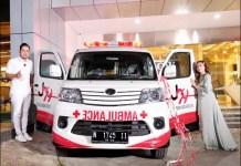 AKSI SOSIAL: Juragan 99 beri bantuan ambulan gratis untuk warga yang kurang mampu. | Foto: Barometerjatim.com/IST