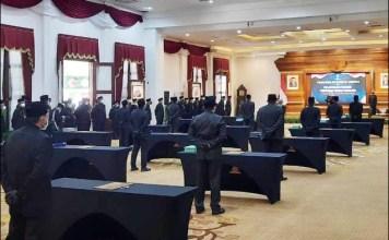 MENANTI SUPER TEAM: Usai dilantik, 17 pejabat Pimpinan Tinggi Pratama diminta siapkan super team. | Foto: Barometerjatim.com/IST