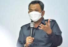 JANGAN MAIN PAKSA: Supomo, seluruh kepala sekolah jangan paksakan murid beli seragam. | Foto: Barometerjatim.com/IST