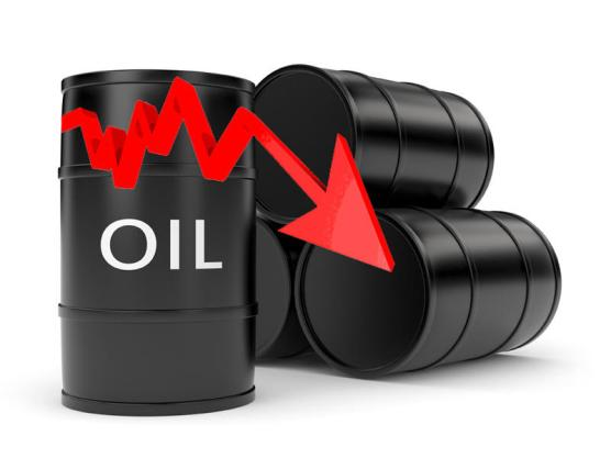 النفط يتراجع مع تضرر صناعة النفط الأمريكية من الإعصار «هارفي»