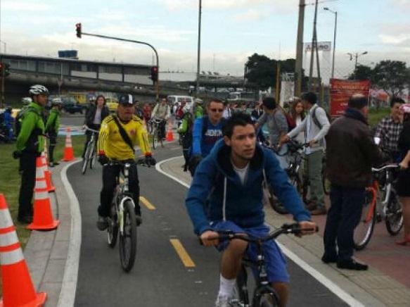Usuarios bicicarril carrera 50