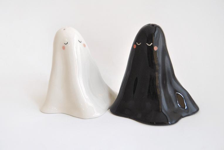 Saleros Fantasma Blanco y Negro Halloween