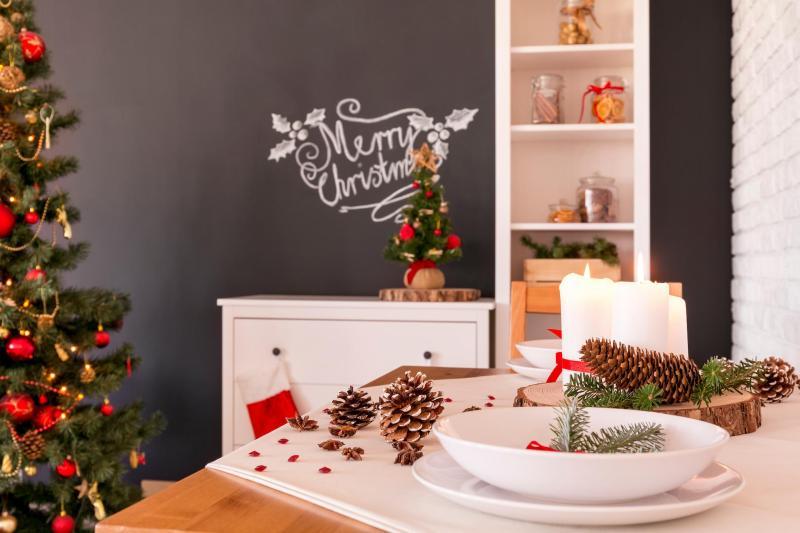 console table Christmas décor 2021