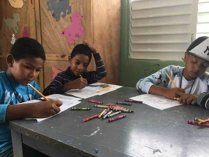 dominican-republic-2017-day5-studying