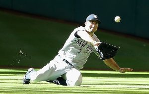 (June 26, 2015 - Source: Scott Halleran/Getty Images North America) Gardner dives for a ball in Houston.