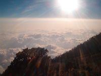 Zonsondergang boven de wolken, op 4220 meter hoogte