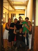 Onze vrienden van Hostel Prisamata