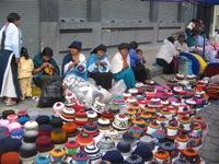Indiaanse vrouwen breien souveniers