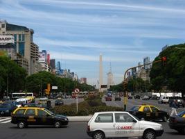 De brede Avenida de May