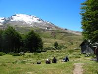 Refugio Caulle staat in een lieflijk valleitje