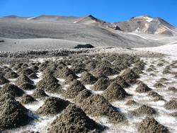 Bijzondere zandhoopjes op de gletsjers