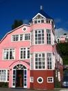 Mooi houten hotel Castro