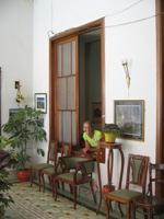 Na de achterbankrit vonden we een erg fraai, klassiek hotel in Huanuco